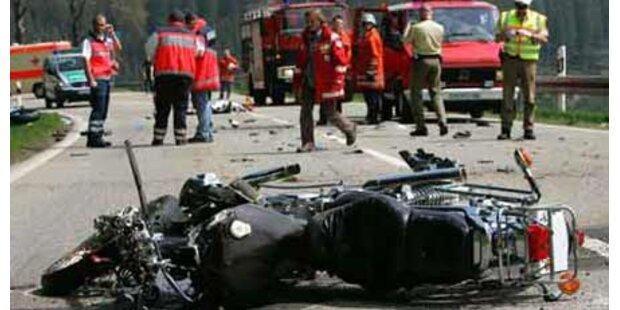Motorradfahrer bezahlte Risiko mit Tod