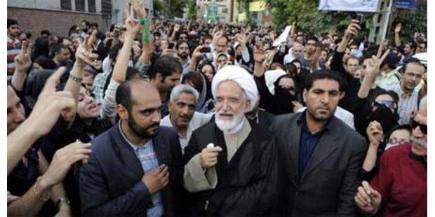 Regimekritiker Moussavi & Karroubi verhaftet