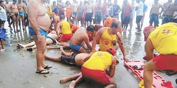 Blitz tötet Familie am Strand