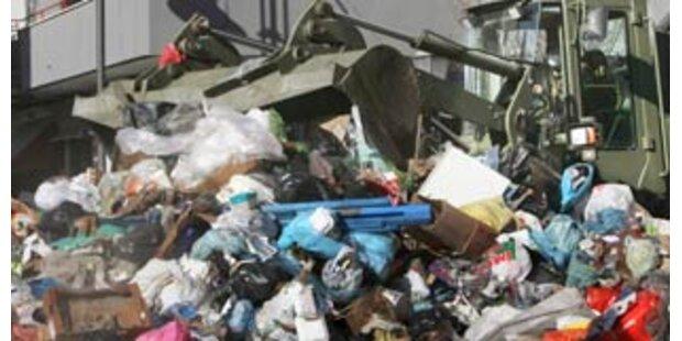 Erneut Zusammenstöße im Müllkonflikt von Neapel