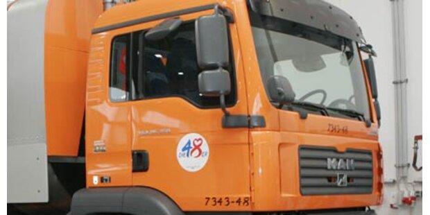 Klagenfurter von Müllwagen überrollt