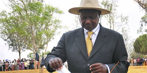 Museveni wird Präsident in Uganda
