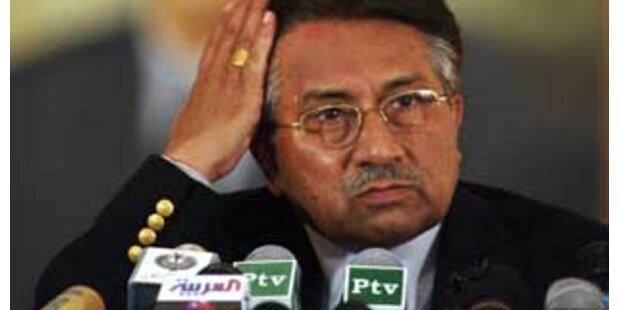 Bhutto fordert Musharraf zum Rücktritt auf
