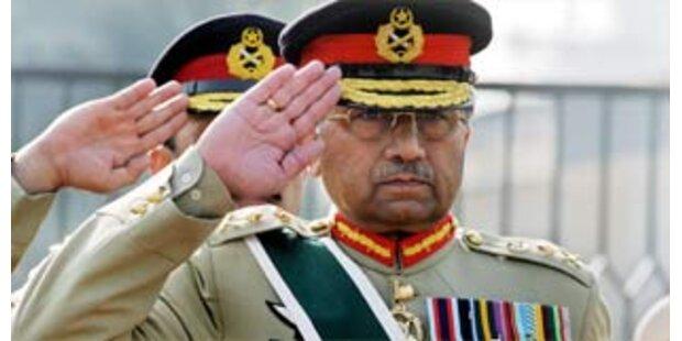 Musharraf gibt Amt des Armeechefs auf