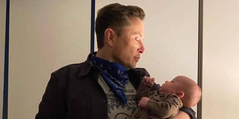 Musk heizt mit Baby-Foto Spekulationen über Tesla-Fabrik an