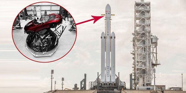 Elon Musk schießt Tesla Roadster ins All