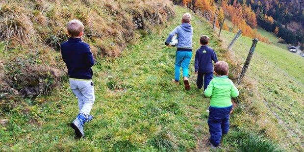 Mutter darf mit ihren 4 Buben nicht nach Österreich zurück