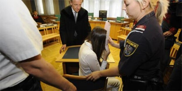 Längere Haft für Muttermörderin?