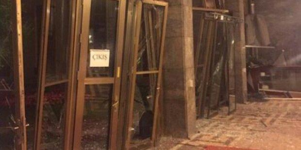 Parlament in Ankara bombardiert