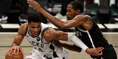 Giannis Antetokounmpo Milwaukee Bucks Kevin Durant Brooklyn Nets