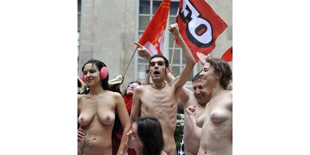 Nacktmodelle protestierten in Paris