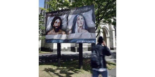 Erotische Maria erregt Christen