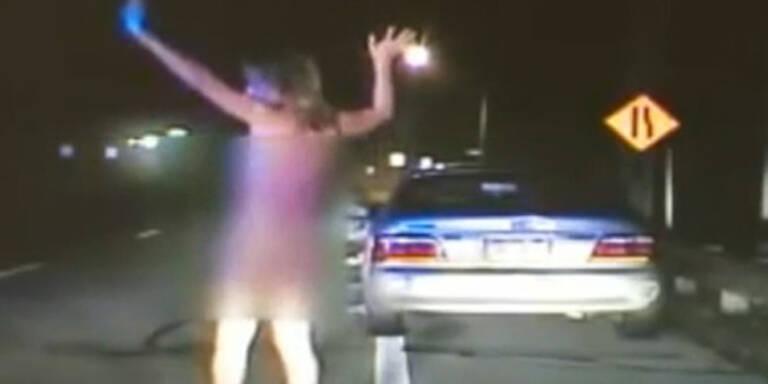 Polizei jagt nackte Raserin