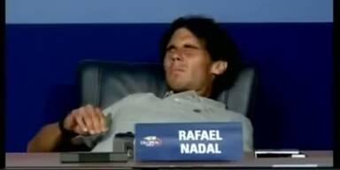 Rafael Nadal kippte bei PK vom Sessel