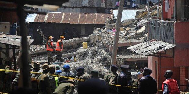 Mädchen vier Tage nach Gebäude-Einsturz gerettet