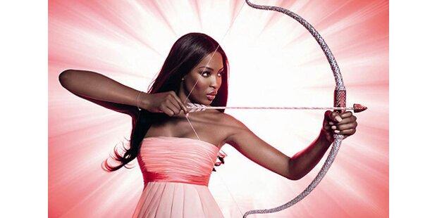 Naomi Campbell schiesst mit Kristallen
