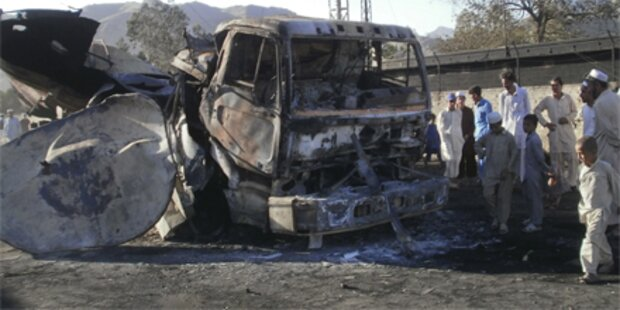 NATO-Tanklaster explodiert: 15 Tote