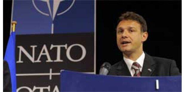 Albanien und Kroatien unterzeichneten NATO-Beitrittsprotokolle