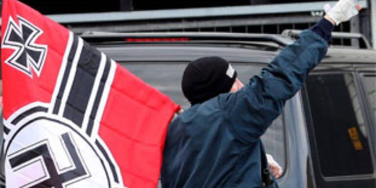 16 Neonazis in Südtirol verhaftet