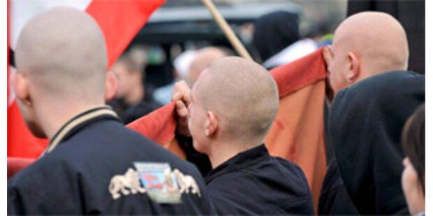Vier Jugendliche wegen Hitler-Video angeklagt
