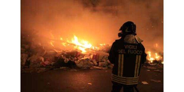 Weiter schwere Krawalle wegen Müllkrise in Neapel