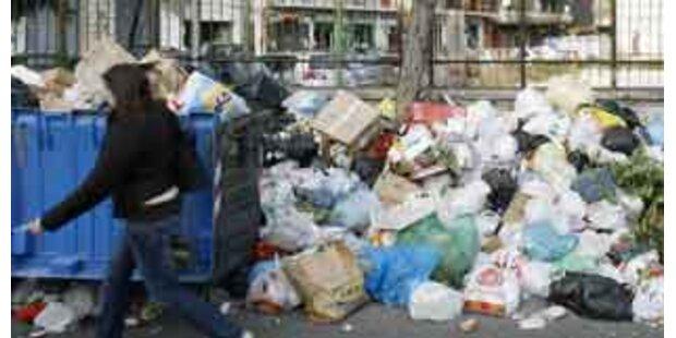 Neapel erstickt kurz vor Weihnachten im Müll