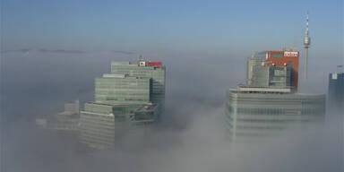 Wochenende verschwindet im dichten Nebel