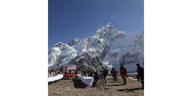 Nepals Regierung tagte am Mount Everest
