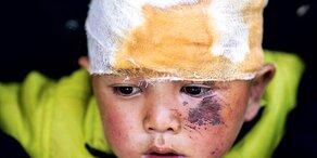 Hilfe-Schrei aus Trümmern von Nepal