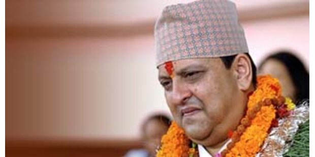 Nepal schafft die Monarchie nach 240 Jahren ab