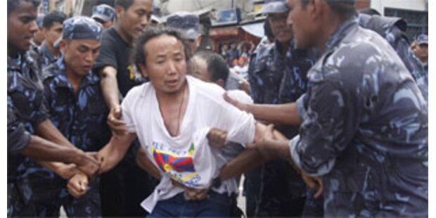 Mehr als 450 Exil-Tibeter verhaftet