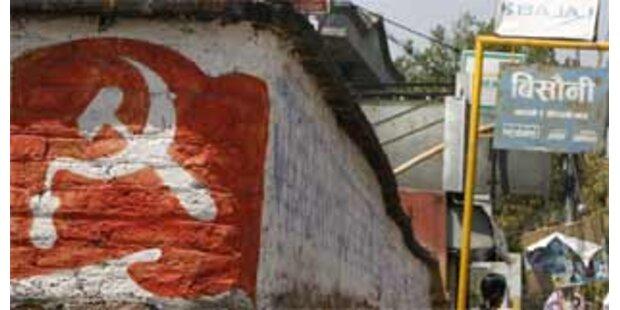 Maoisten gewinnen Hälfte der Sitze in Nepal