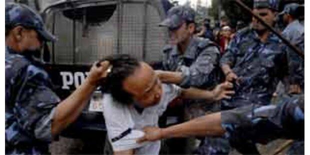 Polizei in Nepal geht mit Gewalt gegen Tibeter vor