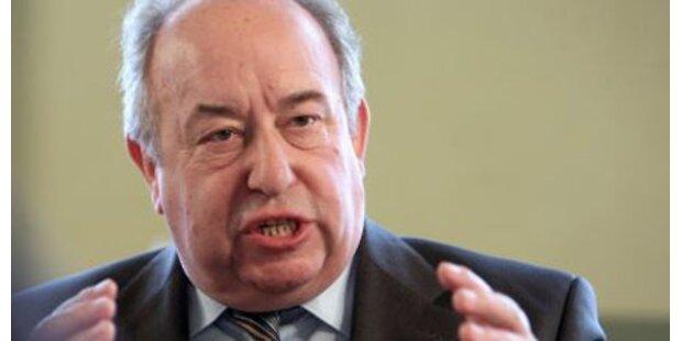 Neugebauer kritisiert Sparpakete
