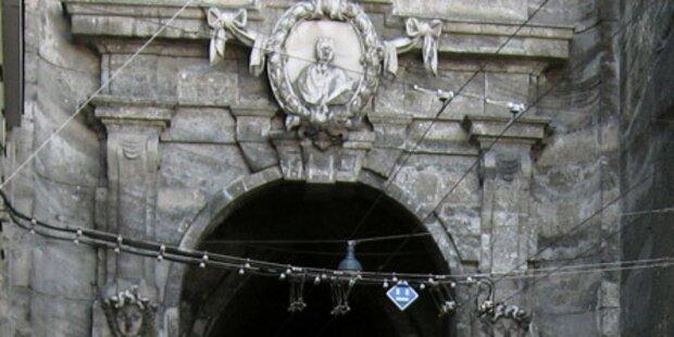 Beim Neutor bröckeln auch die Tore