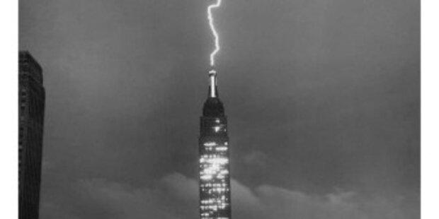 Empire State Building 3x von Blitz getroffen