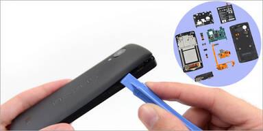 Nexus 5 in seine Einzelteile zerlegt