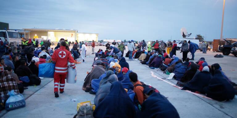 15.000 auf der Flucht durch Österreich