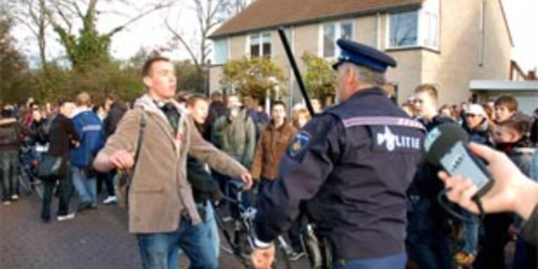 Krawalle bei Schülerprotesten in Den Haag