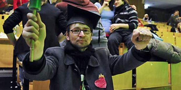 Bologna-Feiern von Studenten gestört