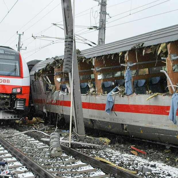 Eine Tote bei schwerem Zugunglück in Österreich