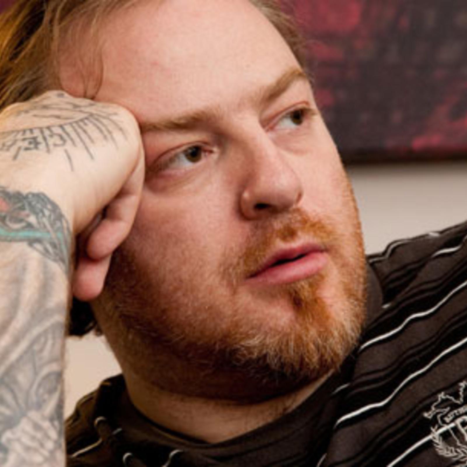 Evgeny Nikitin bestreitet Hakenkreuz Tattoo