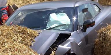 Video: 600 PS starken Sportwagen gecrasht
