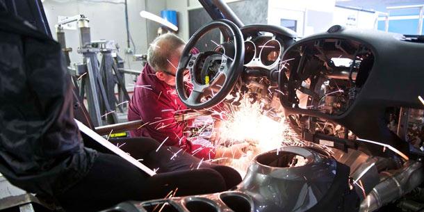Nissan juke r kreuzung aus nissan gt r und juke for Nissan juke innenraum