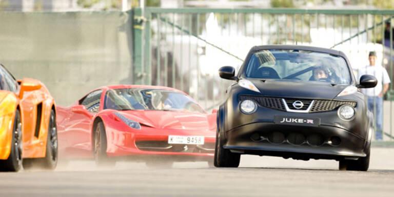 Mini-Nissan hängt Ferrari, Lambo & SLS ab