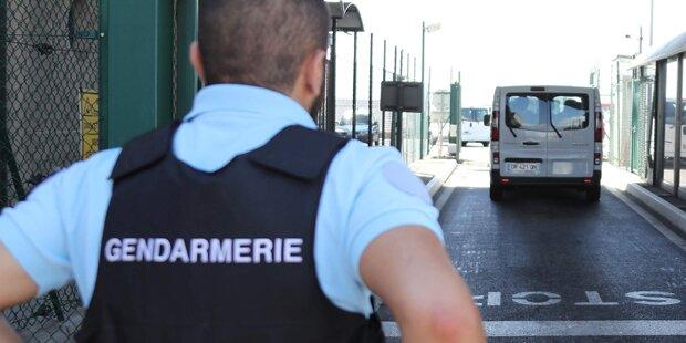 Bomben-Alarm am Flughafen Nizza: Entwarnung