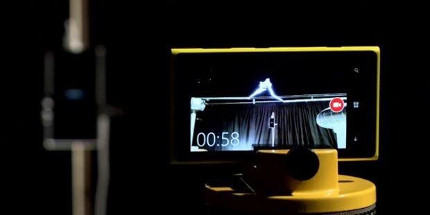 200.000 Volt: Nokia lädt Handy mit Blitz auf
