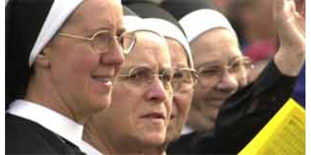 Pater sucht die schönste Klosterfrau