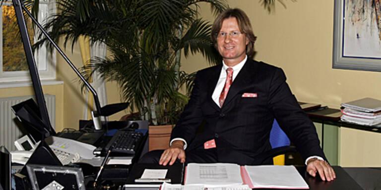 (c) GEPA   Masseverwalter Norbert Scherbaum in seinem Büro