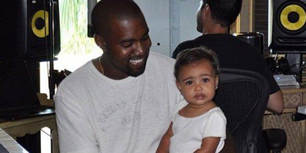 Nori bringt Papa Kanye zum Lachen